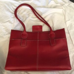 Large leather tote bag from Wilsons Leather
